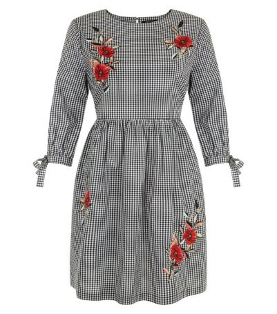 petite-black-gingham-floral-embroidered-smock-dress